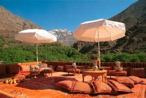 Yoga_with_Perumal_retreat_Kasbah_du_Toubkal_terrace